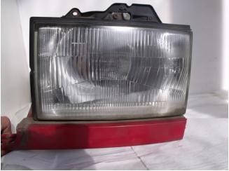 Opel Monterey jobb első lámpa